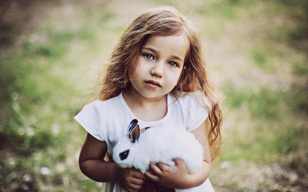 Niña conejo